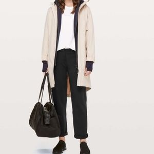 Lululemon On The Move Pant in Black Pointe